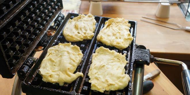 Liege_Waffles_Baked_in_Belgium